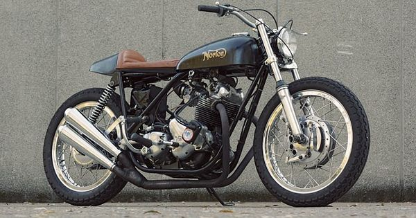 Cafe racer style Norton Commando from Australia. Quite nice. Quite nice indeed.