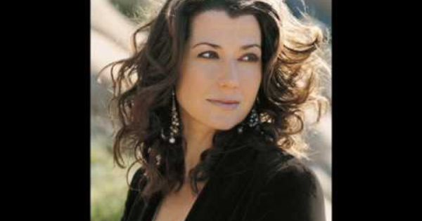 Amy Grant Martina Mcbride Christmas Songs Amy Grant