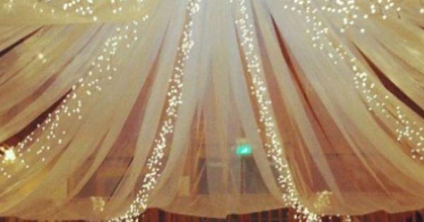inspiration voilages guirlandes lumineuses pour plafond des salles de r ceptions cosy. Black Bedroom Furniture Sets. Home Design Ideas
