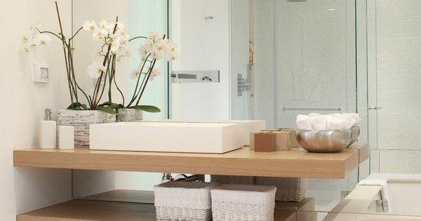 Salle de bain d co scandinave en blanc et bois meuble for Meubles concept lyon