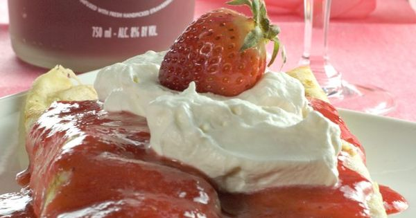 Strawberry crepes, Crepes and Sparkling wine on Pinterest