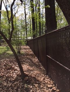 Brown Vinyl Coated Chain Link Fence With Browns Privacy Slats Gives Privacy For This Home Installed By Ryan His Chain Link Fence Fence Styles Bamboo Fence