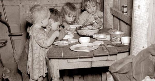 Christmas Dinner During Great Depression Turnips And Cabbage 40 Must-See Historical Photos