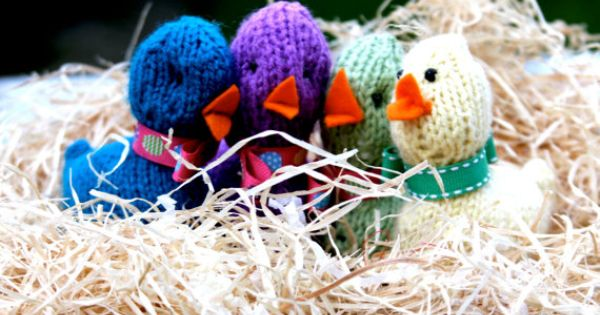 Knitted easter chick creme-egg covers! perfect Easter gift ...