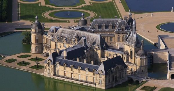 Ch teau de chantilly chantilly france real life castles palaces pinterest castles - Chateau de chantilly adresse ...