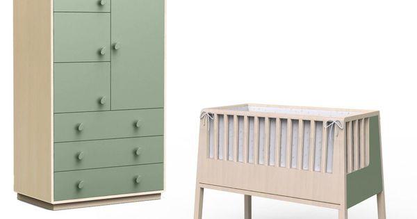 Chambre b b berceau et armoire vert c ladon http www for Armoire chambre bebe
