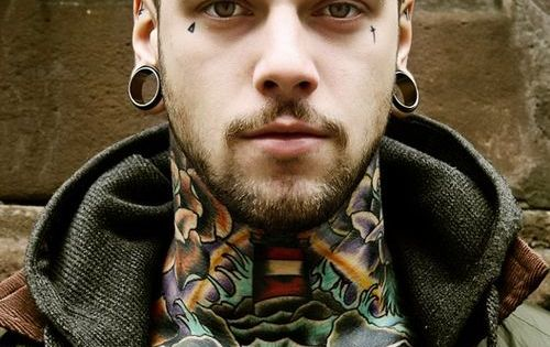 #neck tattoo tattoos necktattoos beartattoo tatooedguys guy sexy he's really beautiful