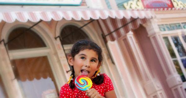 Rena Marie Photography, Disney Photo Shoot, Disneyland, Disney family pictures, Cute Disney