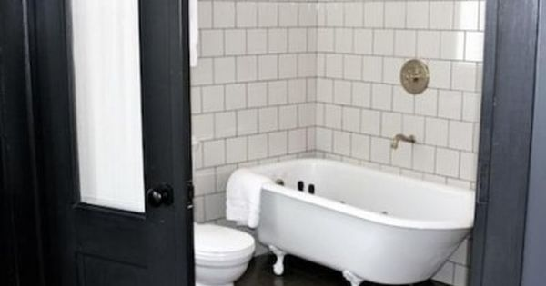 Grout Complimentary Or Contrasting The Perfect Bath White Bathroom Tiles Tile Bathroom Bath Tiles