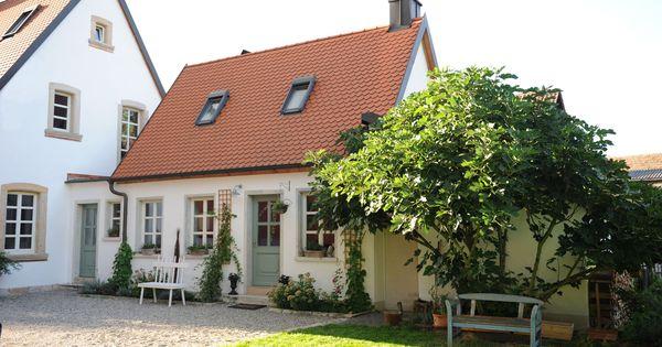 haus schwedenstyle sprossenfenster fassade pinterest sprossenfenster h uschen und fassaden. Black Bedroom Furniture Sets. Home Design Ideas