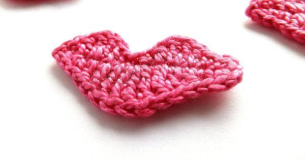 Crocheted lips applique hot pink Valentines day van eljuks ...