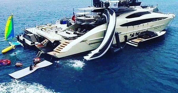 Iate ⛵ Luxo Yacht