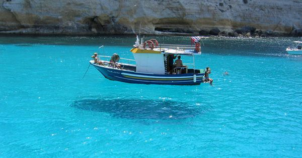 FLYING BOAT!!?  NO, CRYSTAL CLEAR WATER. This picture is taken on One