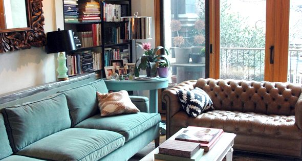 Little Green Notebook Living Room With Teal Velvet Sofa