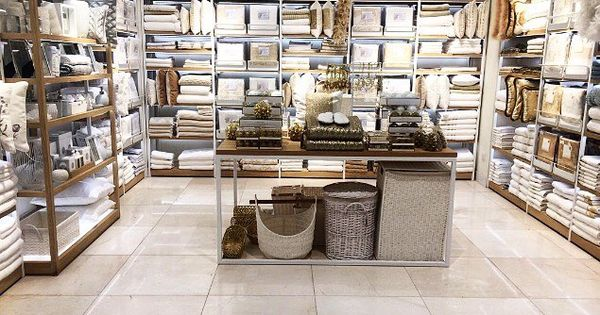 Redefining Modernism In Home Design Zara Home Opens A New Concept Store In Abdali Mall Amman 8 November 2016 Zara Lojas De Varejo Interior Colorido Zara Home