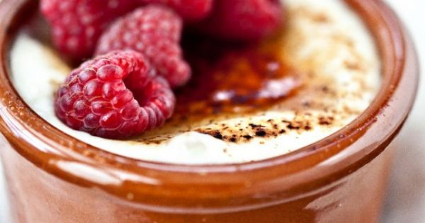 Yogurt Brulee for a healthy dessert. genius