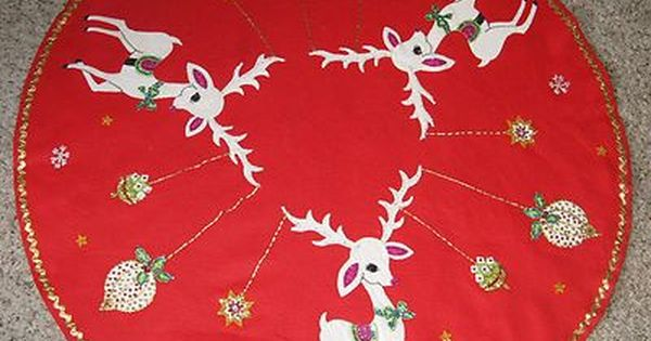 Vintage Christmas Tree Skirt Red Felt W White Reindeer Ornaments Sequins And Gold Trim Vintage Christmas Tree Skirt Christmas Tree Skirt Christmas Quilts