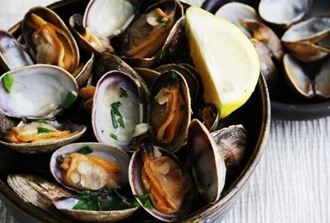 Steamed Clams in White Wine, Garlic, and Butter | Savory Sweet Life