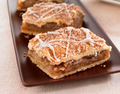 Apple pie bars are a pleasing treat size. These apple bars are