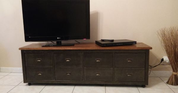 banc t l de style industriel avec kallax d tournement. Black Bedroom Furniture Sets. Home Design Ideas