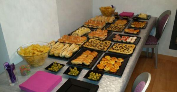 Despu s de una boda ntima invit a sus amigos a una for Que cocinar para invitados