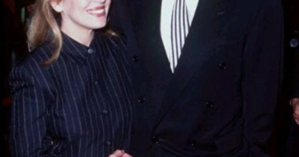 frakes girls Jonathan frakes, actor: star trek: first contact jonathan scott frakes was born on august 19, 1952 in bellefonte, in central pennsylvania.
