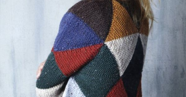 Cleckheaton Knitting Patterns Free : Triangle Knit Construction by Nikki Gabriel, knitted in Cleckheaton Country W...