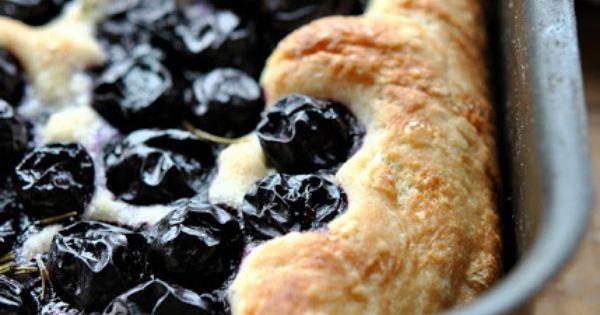 Focaccia con uva fragola uva ricette pinterest for Ricette italiane dolci