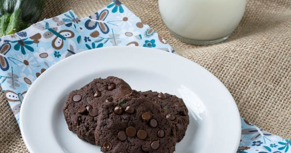 Sugar- Free Chocolate Fudge Zucchini Cookies | Recipe ...