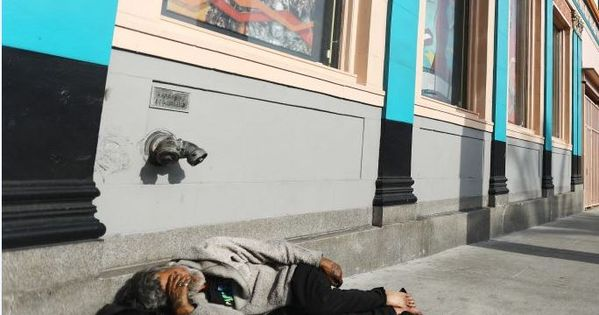 Los Angeles Why Tens Of Thousands Of People Sleep Rough Los Angeles People Sleeping Homeless Person