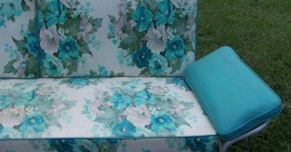 Retro Outdoor Gliders Vintage 1950 S Aluminum Porch Glider Turqoise Floral Cushions Local Floral Cushions Porch Glider Glider Cushions