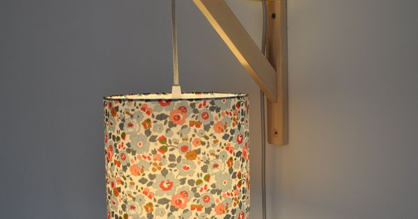 Lampe querre applique murale liberty betsy porcelaine for Lampe de chevet fillette