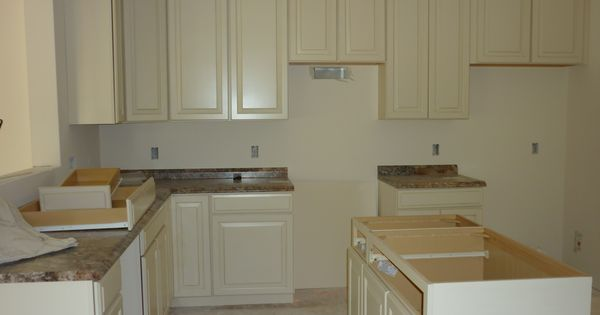 Antique Mascarello With White Cabinets 42in Cabinets
