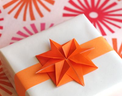 DIY origami paper stars. diy origami stars gift arts crafts ideas