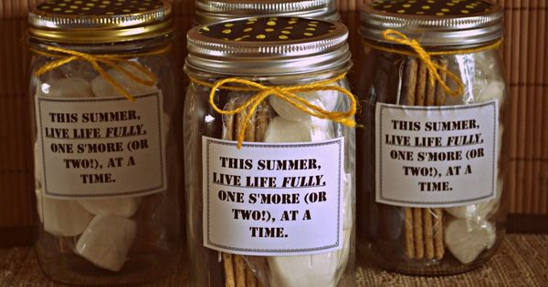 Smores in a Jar Mason Jar Gift - fantastic kids teacher gift