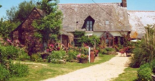 18th C farmhouse nestled on an organic farm in La Blézinière, France ... Quaint English Cottages