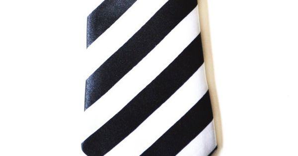 Slim Necktie. Skinny Tie. Black and White Tie. by HelloMrSmith