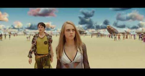 Ojo A Los Colores De Las Nubes Valerian Y La Ciudad De Los Mil Planetas Trailer 2 Espanol Hd Youtube Valerian Pelicula Planetas Ciudades