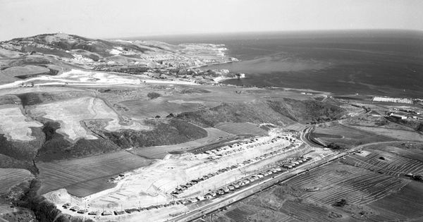 palos verdes peninsula black personals The largest photograph collection consists of some 2,000 black and white images dating from the 1920s a gift from the palos verdes is the peninsula.
