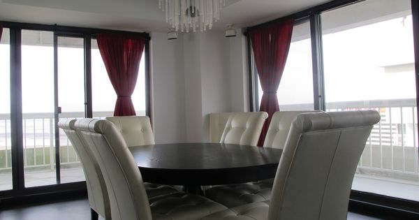 Floor to ceiling wall to wall windows bi level penthouse for Floor to ceiling bay window