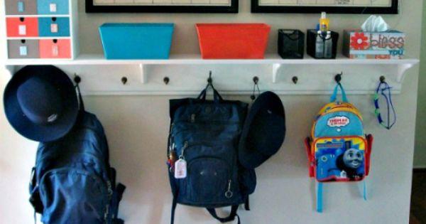 question des lecteurs comment am nager une entr e pour famille nombreuse emploi du temps. Black Bedroom Furniture Sets. Home Design Ideas