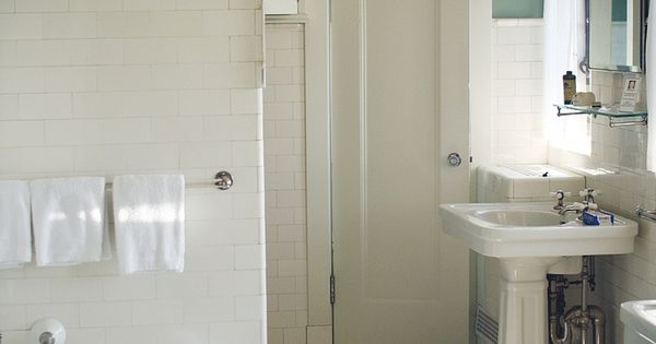 Old school bathroom from 1920s possible idea for for Bathroom ideas 1920s home