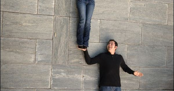 Very cute photo idea (laying on the ground at the bottom of
