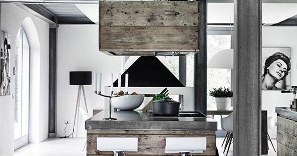 Pavimenti in cemento soffitti e pilastri in ferro mobili for Cemento industriale in casa