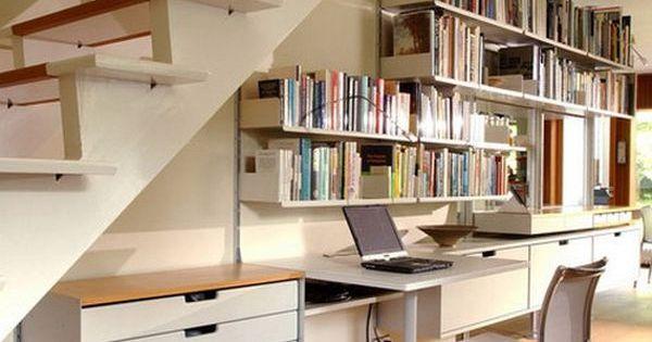 comment am nager l 39 espace de stockage sous l 39 escalier bureaux espace sous les escaliers et. Black Bedroom Furniture Sets. Home Design Ideas