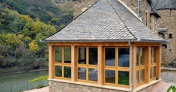 Extension la construction d 39 une v randa en bois et for Agrandir sa maison en bois