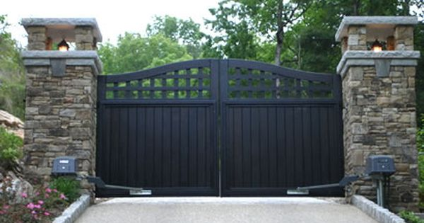 Portland Collection Compound Archtop Driveway Gate By