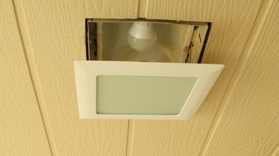halo 9 in white recessed ceiling light