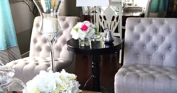 Tufted chairs from homegoods make any living room look for Decoraciones para salas modernas