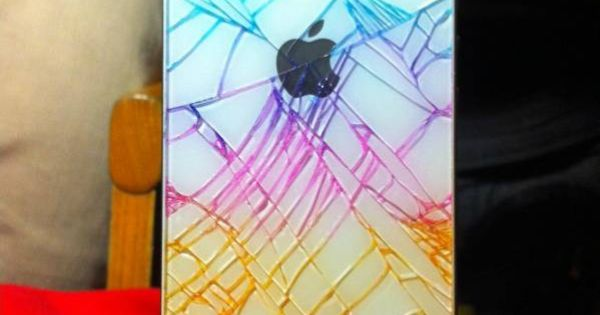 Good idea! Color cracked iphone with highlighter. It will stay in the
